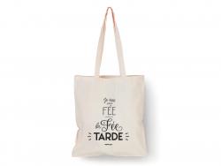 """Acheter Tote bag """" Je suis une fée - la fée tarde"""" - 9,99€ en ligne sur La Petite Epicerie - 100% Loisirs créatifs"""