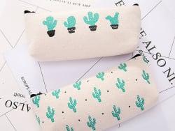 Acheter Trousse - cactus et petits triangles - 6,99€ en ligne sur La Petite Epicerie - Loisirs créatifs