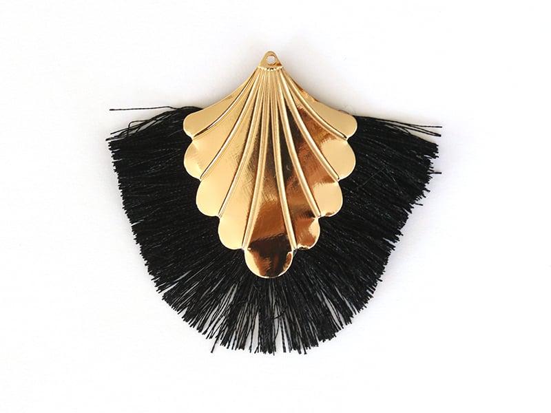 Pendentif coquillage doré à franges noires  - 1
