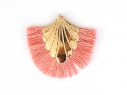 Pendentif coquillage doré à franges roses  - 1
