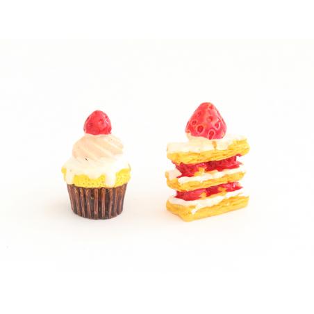 Acheter Cupcake fraise avec coulis et crème - 1,99€ en ligne sur La Petite Epicerie - Loisirs créatifs