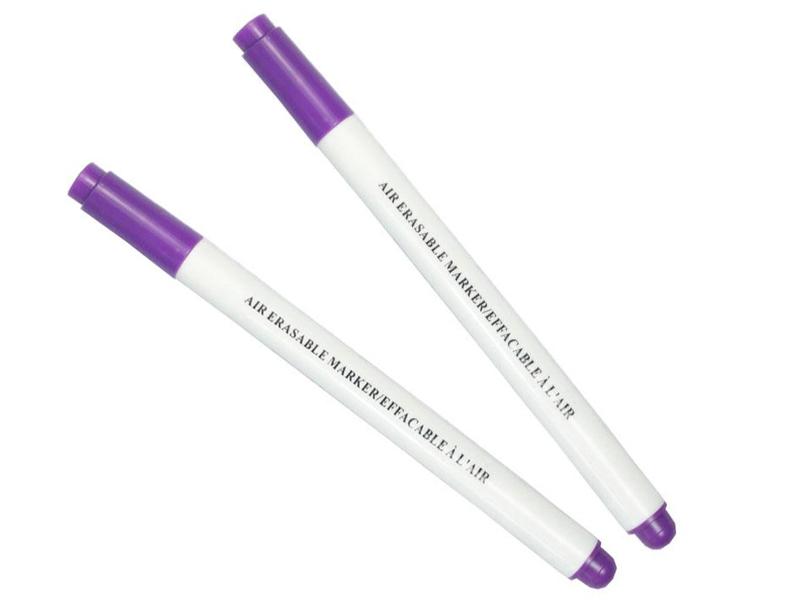 Acheter Lot de 2 feutres pour tissus effaçable à l'air - violet - 3,99€ en ligne sur La Petite Epicerie - Loisirs créatifs