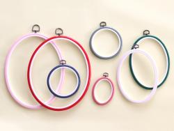 Acheter Tambour à broder ovale rose clair - 25.5 x 20 cm - 2,49€ en ligne sur La Petite Epicerie - 100% Loisirs créatifs