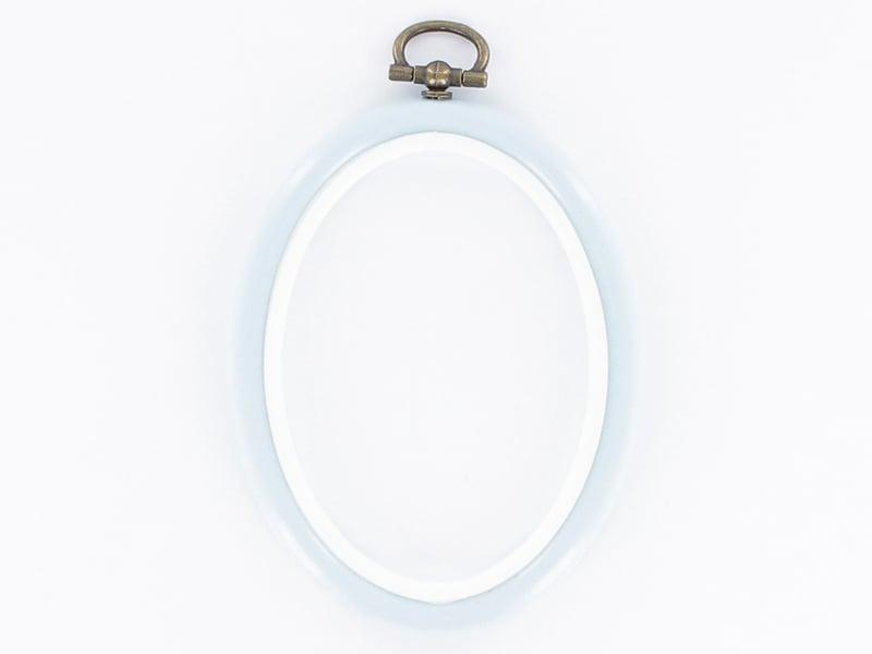 Tambour à broder ovale bleu ciel - 8.5 x 6.5 cm  - 1