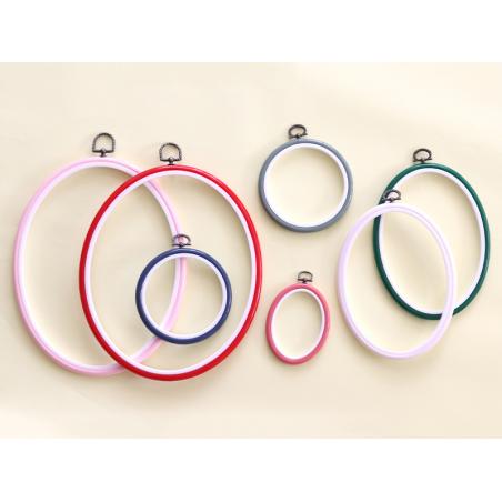Acheter Tambour à broder ovale rose clair - 8.5 x 6.5 cm - 0,69€ en ligne sur La Petite Epicerie - 100% Loisirs créatifs