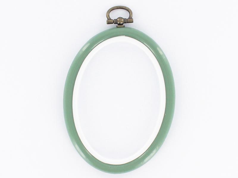 Tambour à broder ovale vert amande - 8.5 x 6.5 cm  - 1