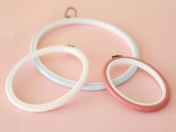 Tambour à broder ovale blanc - 17.5 x 13 cm  - 2
