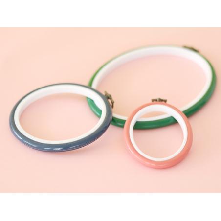 Tambour à broder ovale vert - 17.5 x 13 cm  - 2