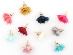 Lot de 10 pendentifs pompons fleurs en organza - couleurs aléatoires et assorties  - 2