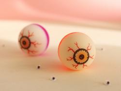 Acheter Balle rebondissante œil Halloween - couleur aléatoire - 1,99€ en ligne sur La Petite Epicerie - Loisirs créatifs
