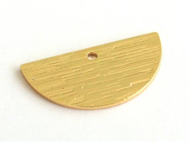 Acheter Pendentif demi-lune - doré à l'or fin 16K - 1,19€ en ligne sur La Petite Epicerie - Loisirs créatifs