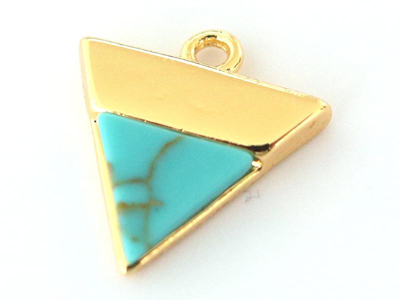 Pendentif triangle howlite turquoise - doré à l'or fin  - 1