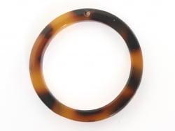 Acheter Pendentif anneau 22 mm écaille de tortue en acétate - 0,79€ en ligne sur La Petite Epicerie - 100% Loisirs créatifs