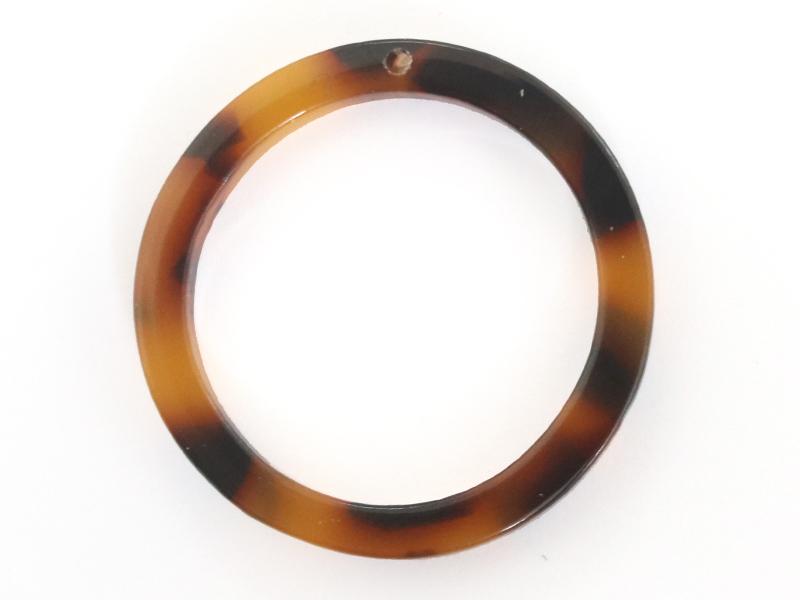 Pendentif anneau 22 mm écaille de tortue en acétate  - 1