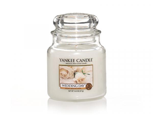 Acheter Bougie Yankee Candle - Wedding Day / Jour de noces - Moyenne Jarre - 24,89€ en ligne sur La Petite Epicerie - 100% L...
