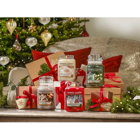 Acheter Bougie Yankee Candle - The Perfect Tree / Sapin merveilleux - Moyenne Jarre - 24,89€ en ligne sur La Petite Epicerie...