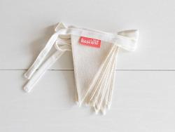 Acheter Mini guirlande de 10 drapeaux à customiser 10 x 15 cm - 7,95€ en ligne sur La Petite Epicerie - Loisirs créatifs