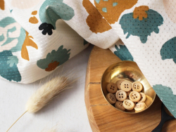 """Acheter Tissu viscose """"Posie Green"""" - Atelier Brunette - 1,99€ en ligne sur La Petite Epicerie - 100% Loisirs créatifs"""