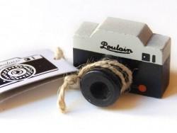"Stamp - ""Poulain"" camera"