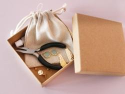 Acheter Boucles d'oreilles Raphaëlle mint - Kit bijoux précieux dorés à l'or fin - 13,90€ en ligne sur La Petite Epicerie - ...