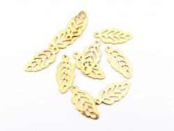 Acheter Lot de 10 breloques feuilles - 1,3 cm - 0,39€ en ligne sur La Petite Epicerie - Loisirs créatifs