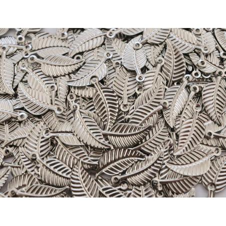 Acheter Breloque feuille argentée - 1,5 cm - 0,19€ en ligne sur La Petite Epicerie - Loisirs créatifs