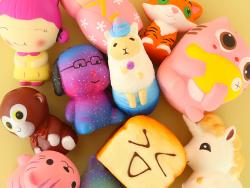 Acheter Squishy Chien galaxy à lunettes - 13,09€ en ligne sur La Petite Epicerie - 100% Loisirs créatifs