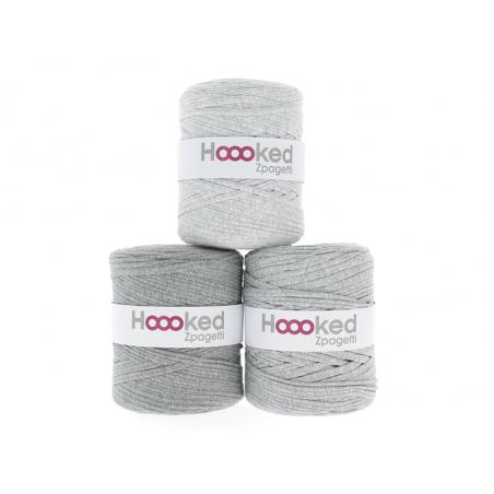 Acheter Grande bobine de fil Hoooked Zpagetti - Nuances de gris clair - 11,90€ en ligne sur La Petite Epicerie - Loisirs cré...