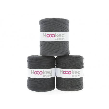 Acheter Grande bobine de fil Hoooked Zpagetti - Nuances de gris foncé - 11,90€ en ligne sur La Petite Epicerie - Loisirs cré...