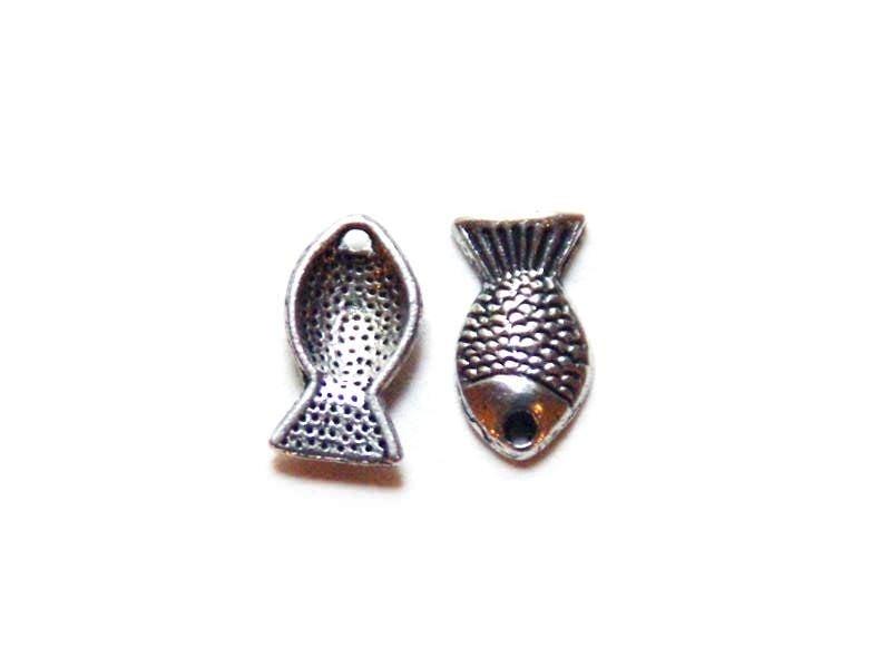 Acheter 1 Breloque poisson d'avril / argentée - 0,29€ en ligne sur La Petite Epicerie - 100% Loisirs créatifs