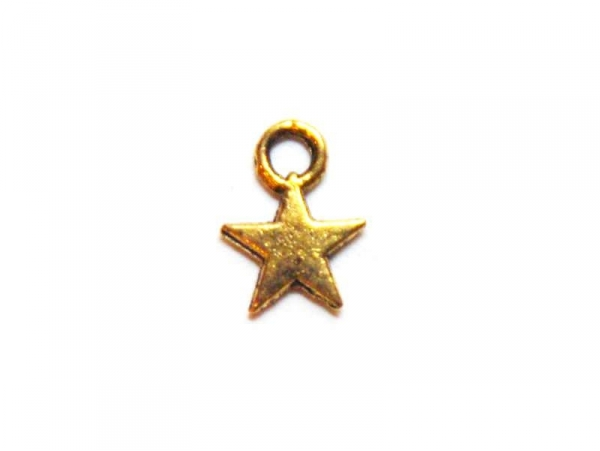 1 small star charm - gold-coloured