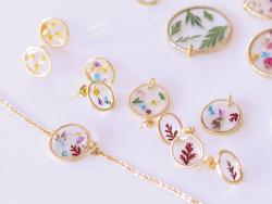 Acheter Puces d'oreilles cercles ajourés 12 mm - dorées à l'or fin - 3,09€ en ligne sur La Petite Epicerie - Loisirs créatifs