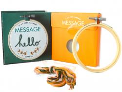 Acheter Livre / Kit prêt à broder - Hello - 5,95€ en ligne sur La Petite Epicerie - 100% Loisirs créatifs