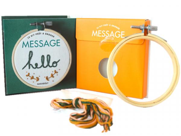 Acheter Livre / Kit prêt à broder - Hello - 5,95€ en ligne sur La Petite Epicerie - Loisirs créatifs