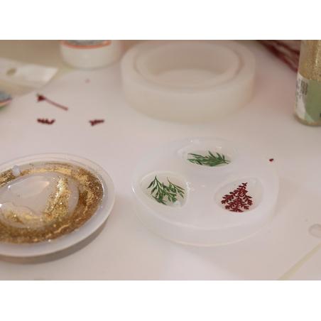 Acheter Moule en silicone - pendentif ovale 25mm - 2,99€ en ligne sur La Petite Epicerie - Loisirs créatifs