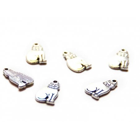 1 Egyptian cat charm - silver-coloured