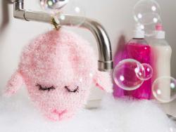 Acheter Laine à tricoter Creative bubble - fuchsia fluo - pour éponge tawashi - 3,49€ en ligne sur La Petite Epicerie - Lois...