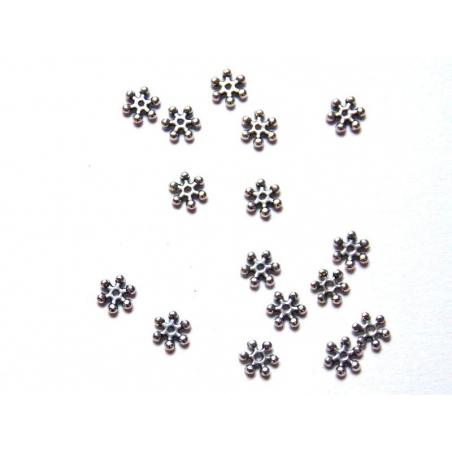 Acheter 1 fleur intercalaire 6 branches - argentée - 0,19€ en ligne sur La Petite Epicerie - Loisirs créatifs