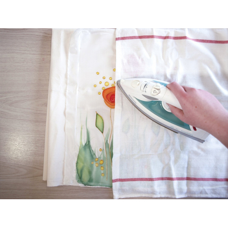 Acheter Kit de démarrage de peinture sur soie - 29,20€ en ligne sur La Petite Epicerie - Loisirs créatifs