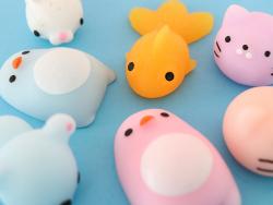 Acheter Mini squishy pingouin rose - anti stress - 1,99€ en ligne sur La Petite Epicerie - Loisirs créatifs