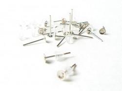 10 Paar hellsilberfarbene Ohrstecker - Silikonverschluss