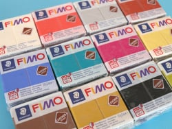 Acheter Pâte Fimo LEATHER EFFECT - Noir 909 - 1,99€ en ligne sur La Petite Epicerie - Loisirs créatifs