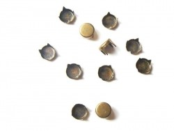 10 runde Nieten (7 mm) - bronzefarben