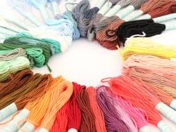 Acheter Lot de 50 échevettes- couleurs assorties - 7,99€ en ligne sur La Petite Epicerie - 100% Loisirs créatifs