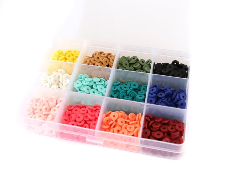 Acheter Boite de 12 couleurs de perles heishi 6 mm - 12,99€ en ligne sur La Petite Epicerie - 100% Loisirs créatifs