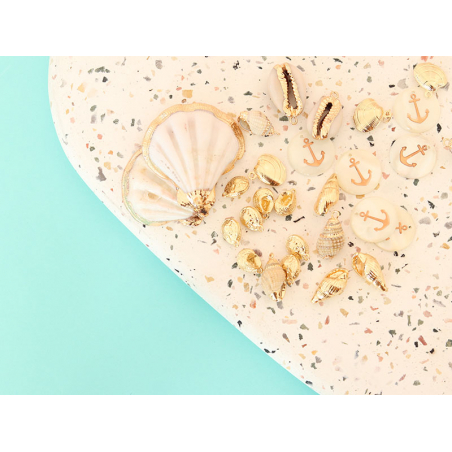 Acheter Pendentif coquillage cauri 25mm - bordure dorée - 1,79€ en ligne sur La Petite Epicerie - Loisirs créatifs