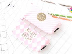 """Acheter Trousse rose """"Beauty like the dream"""" - 7,59€ en ligne sur La Petite Epicerie - 100% Loisirs créatifs"""