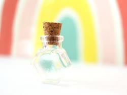 Acheter Fiole en verre hexagone - 25 mm - 0,99€ en ligne sur La Petite Epicerie - 100% Loisirs créatifs