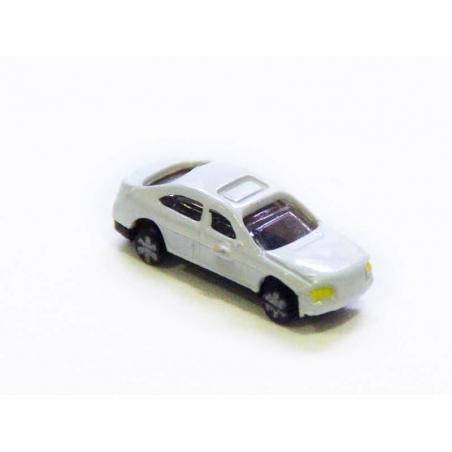 1 mini voiture blanche