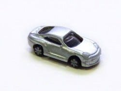 1 mini voiture gris métallisé